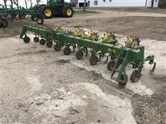 John Deere 825 Row Crop Cultivator