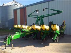 """2009 John Deere 1760 12R30"""" Planter"""