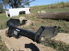 GM V-5 Rear Frame Mounted Equalizer Hitch