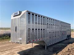 2001 Merritt 53' Tri/A Livestock Trailer