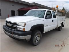 2006 Chevrolet 2500HD 2WD Extended Cab Service Truck