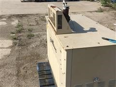 2001 Generac 43691 25 KW Generator