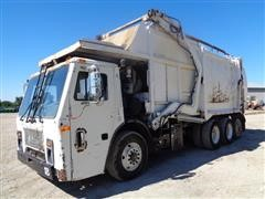 2000 Mack 600 LE600 GG T/A Front-Load Pickup Garbage Truck