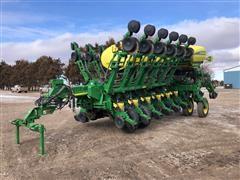 2013 John Deere 1790 CCS 16-32 Planter