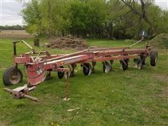 Massey Ferguson 880 6-Bottom Plow