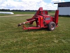 Farmhand 124 Roller/ Blower Mill