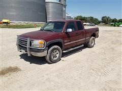 2002 GMC 2500 4x4 Extended Cab Pickup