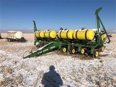 John Deere 7200 MaxEmerge 2 8R30 Planter