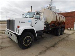 1982 GMC 9500 T/A Fertilizer Tender Truck