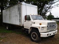 1988 Ford F-700 Box Truck