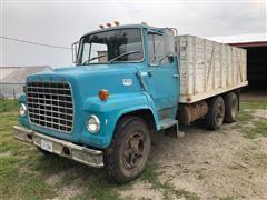 1970 Ford LN700 T/A Grain Truck