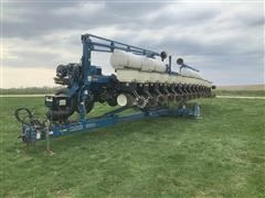 "2005 Kinze 3600 Interplant 16R30"" Split Row Planter"