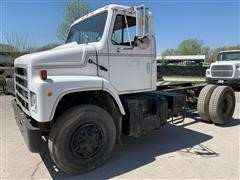 1986 International S2300 4x2 Cab & Chassis