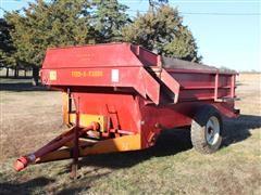 Kelly Ryan 5' X 12' (2) Wheel Pull-Type Feed Wagon
