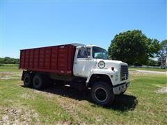 1975 Ford 900 Grain Truck