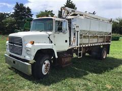 1997 Ford LN8000 S/A Bulk Feed Truck