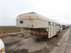 1970 Flying L T/A Gooseneck Livestock Trailer