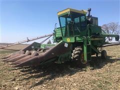 John Deere 4400 Combine W/443 Corn Head