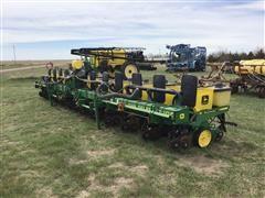 John Deere 7300 12R30 Corn Planter