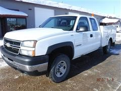 2006 Chevrolet 2500 Extended Cab Utility Truck
