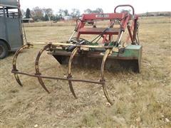 Farmhand 8' Loader Bucket W/Grapple Forks