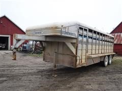 1992 Donahue 20' T/A Gooseneck Livestock Trailer