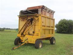 Field Queen 1400 4 Wheel Hydraulic Lift Dump Forage Wagon
