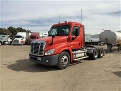 2010 Freightliner Columbia 120 T/A Truck Tractor