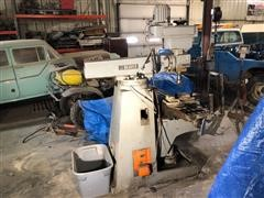 Beaver Machine Balding Engineering LTD Milling Machine