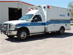2005 Ford F350 XLT Super Duty T/A Ambulance