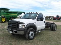 2005 Ford F550 XL Super Duty Cab & Chassis Truck