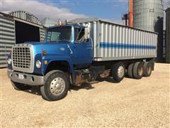 1981 Ford 9000 Tri/A Grain Truck
