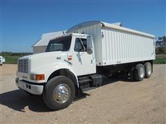 1999 International 4900 T/A Grain Truck