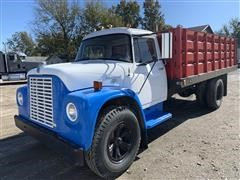 1969 International Loadstar 1600 Grain Truck