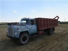 1972 International Loadstar 1600 Grain Truck