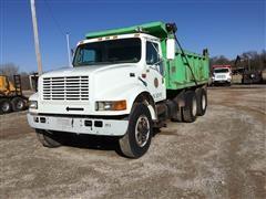 1998 International Navistar 4900 T/A Dump Truck