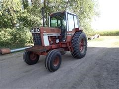 1977 International F1086 2WD Tractor