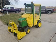 John Deere 318 Riding Lawn Tractor