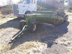 John Deere 700 Pull-Type Scraper