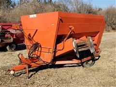Oswalt 240 Mixer/Feeder Wagon