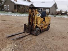 Clark 8060 Forklift