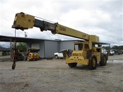 Clark 714 4WD Rough Terrain Crane