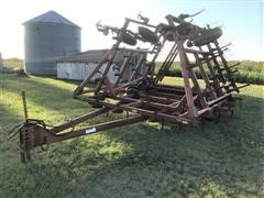 Case IH 4600 Vibra Shank 28' Field Cultivator