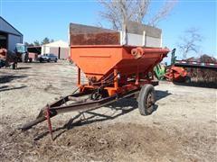 United Farm Tools Hydraulic Auger Feed Wagon