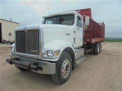 2000 International 9900 T/A Manure Truck