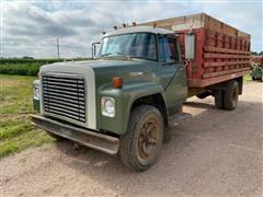 1975 International Loadstar 1600 S/A Grain Truck