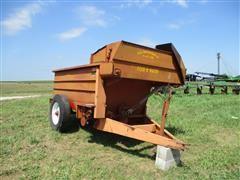 Kelly Ryan Feed-R-Wagon Feed Wagon