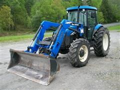 2008 New Holland TD95D MFWD Tractor w/ 820TL Loader