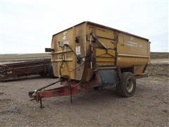 Knight 3575 Reel Augie Feeder Mixer Wagon