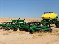 2005 John Deere 1890/1900 Air Seeder & Cart